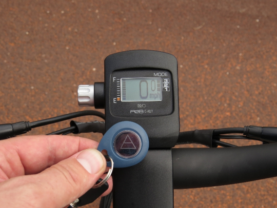 One of the unique features of the A2B Alva+ is that it comes with an electronic key fob that turns the bike on & off.  Simply wave the key in front of the display and the bike will come alive!  Pretty cool.