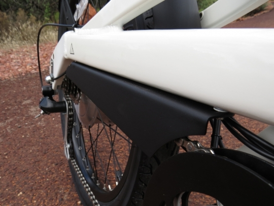 The chainguard on the Alva + has a clean look with its attachment to the bottom of the frame's chainstay.