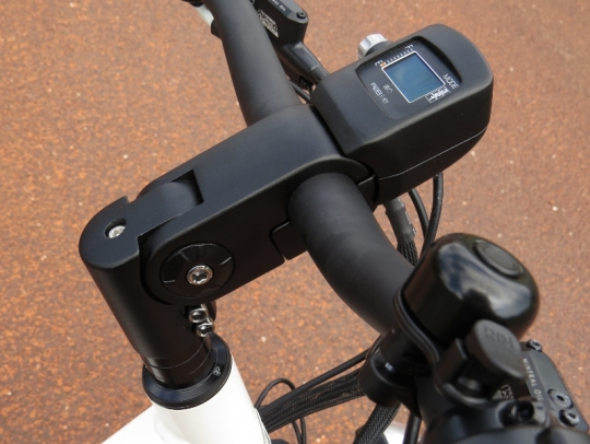 The Alva + stem can be height/angle adjusted to fit your preferred riding position.