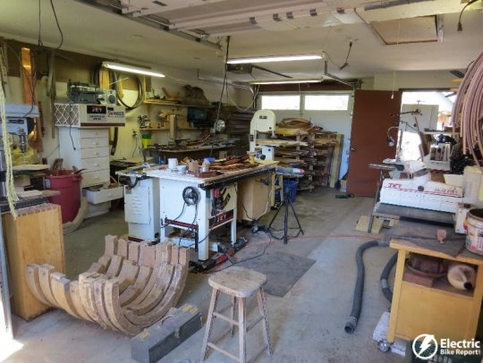 Woody's Custom Wooden Fenders shop