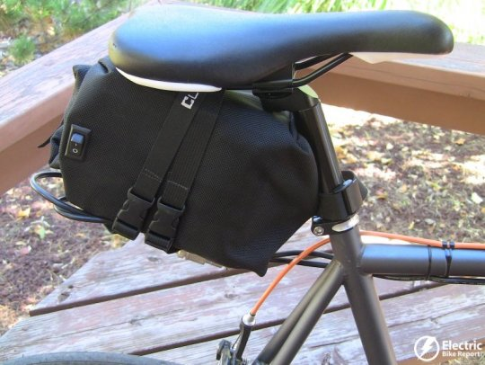 clean-republic-hill-topper-electric-bike-kit-lead-acid-battery-attached-to-seat