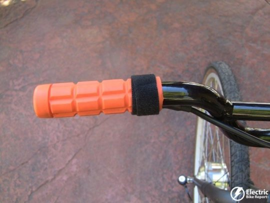 clean-republic-hill-topper-electric-bike-kit-on-off-button-strap