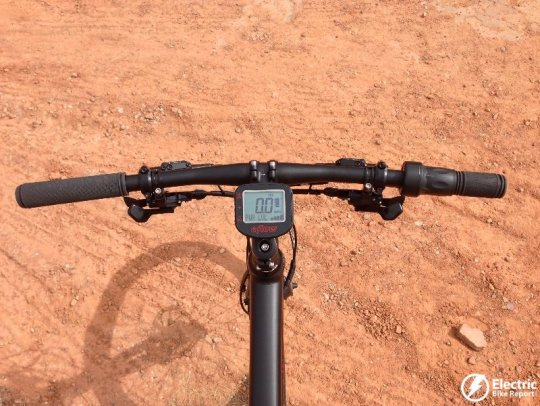 eflow-electric-bike-handlebar-controls