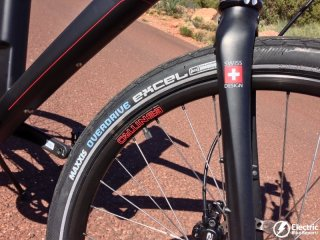 eflow-electric-bike-maxxis-tires