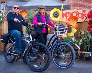 william-and-elizabeth-shatner-ride-pedego-electric-bikes
