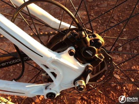 emotion-neo-jumper-tektro-rear-hydraulic-disc-brake