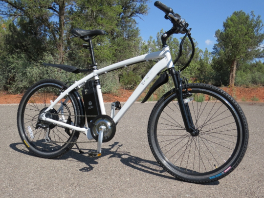 The F4W Peak electric bike has a mountain bike style with a 350 watt geared rear hub motor and a 36V 9ah lithium ion battery