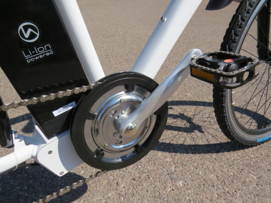 The cranks of the F4W Peak have a built in torque sensor that is used for the pedal assist option