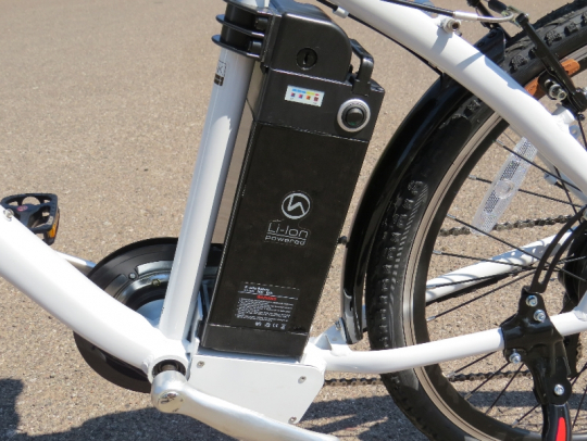 The F4W Peak uses a Sony lithium ion 36V 9ah battery pack located just behind the seat tube of the frame.