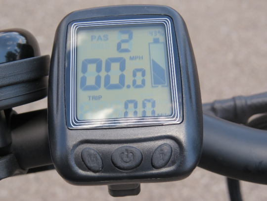 This display on the F4W allows you to turn on the bike (along with the battery on/off switch), change the pedal assist mode, select mph or km/h, and get info on the battery level, current speed, trip distance, and overall odometer.