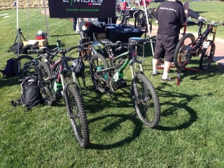 kranked-ebikes-at-interbike-electric-bike-event