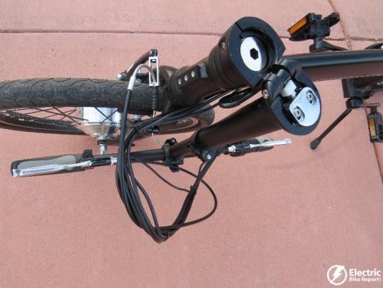 izip-e3-compact-electric-bike-handlebar-folded