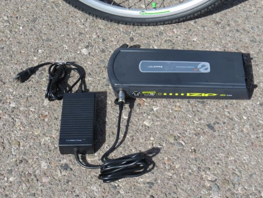 izip-path-battery-charger