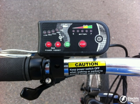 the-control-display-izip-ultra-electric-bike