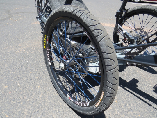 outrider-electric-trike-422-industry-9-front-wheel