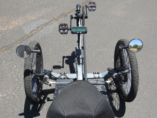 outrider-electric-trike-422-cockpit