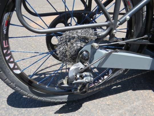outrider-electric-trike-422-rear-wheel-sram-derailleur