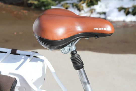 pedego-city-commuter-seat-with-storage-compartment-and-suspension-seatpost