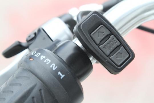 pedego-city-commuter-pedal-assist-adjustment