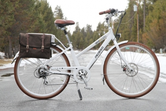 pedego-city-commuter-with-rear-panniers