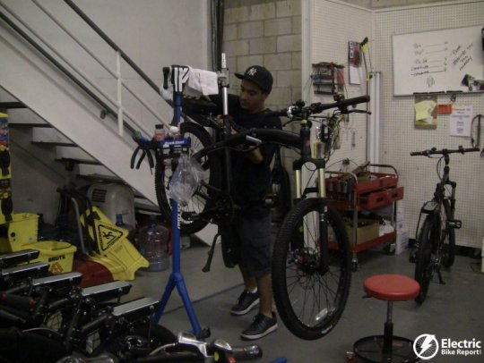 phanton-x-fine-tuning-prodeco-electric-bike-assembly-facility