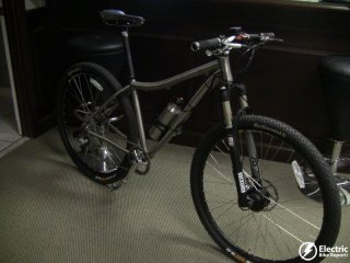 titanio-29er-e-mtb-prodeco-electric-bike-assembly-facility