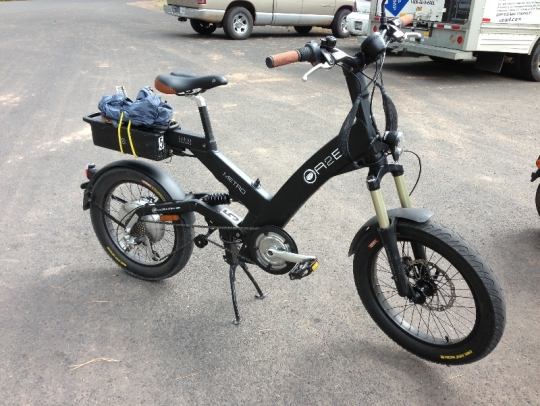 This is the A2B Metro e-bike that I piloted to the Grand Canyon