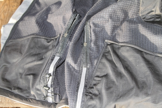 showers-pass-portland-jacket-inside