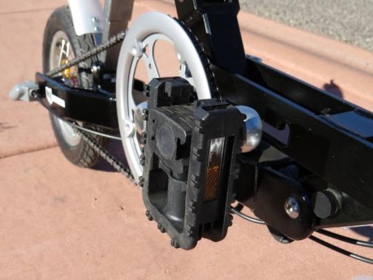 velomini-pedal-folded