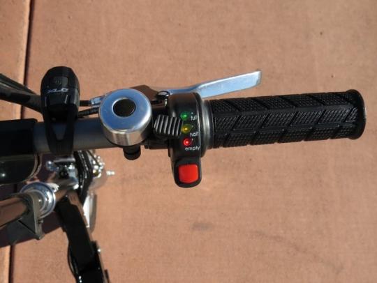velomini-throttle