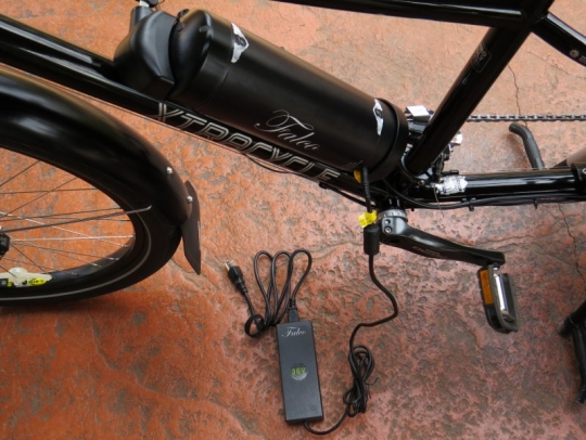 xtracycle-edgerunner-falco-emotors-charge-battery