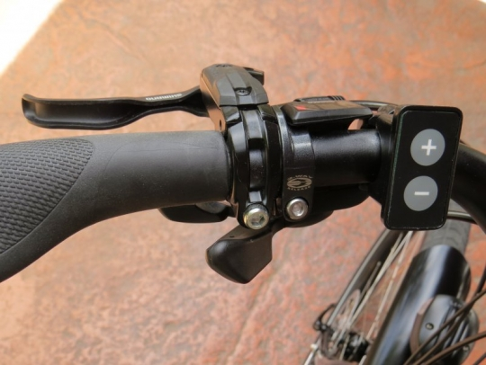 xtracycle-edgerunner-falco-emotors-left-handlebar