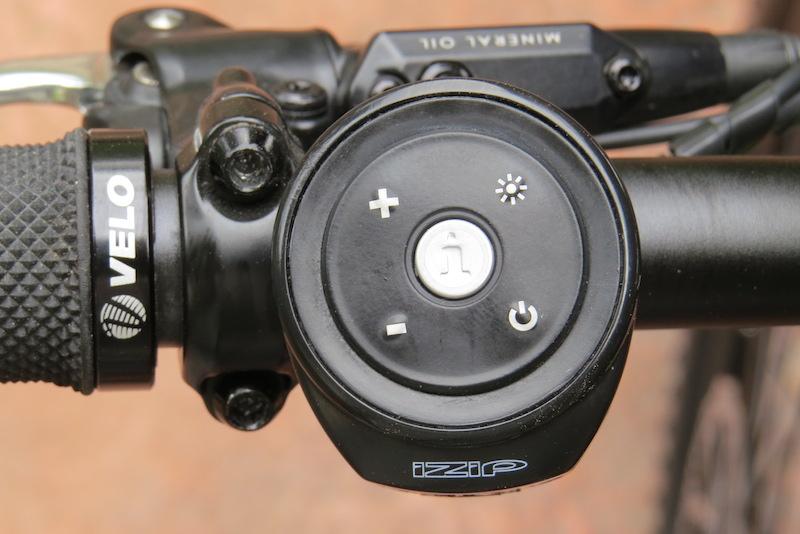 izip-peak-control-buttons