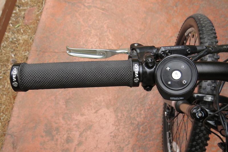 izip-peak-left-handlebar