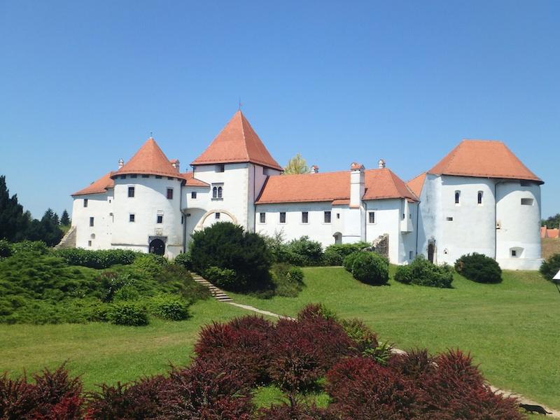 european electric bike tour castle