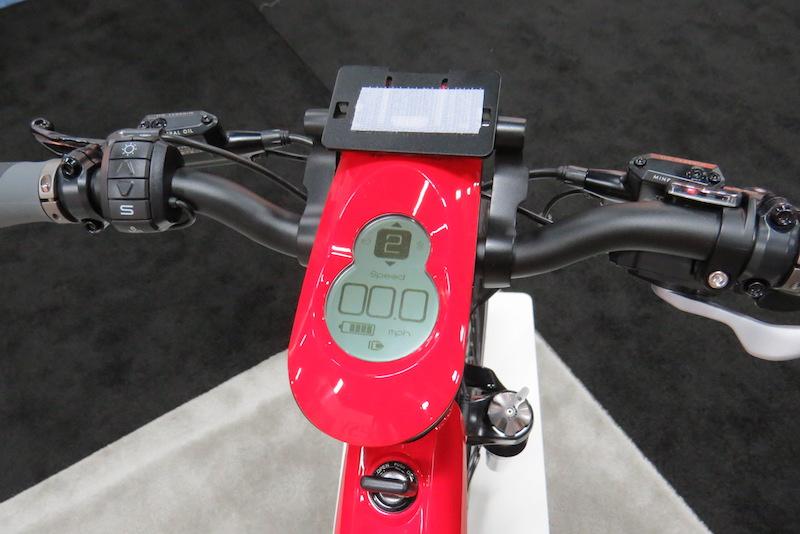 BESV Lion LX1 electric bike display