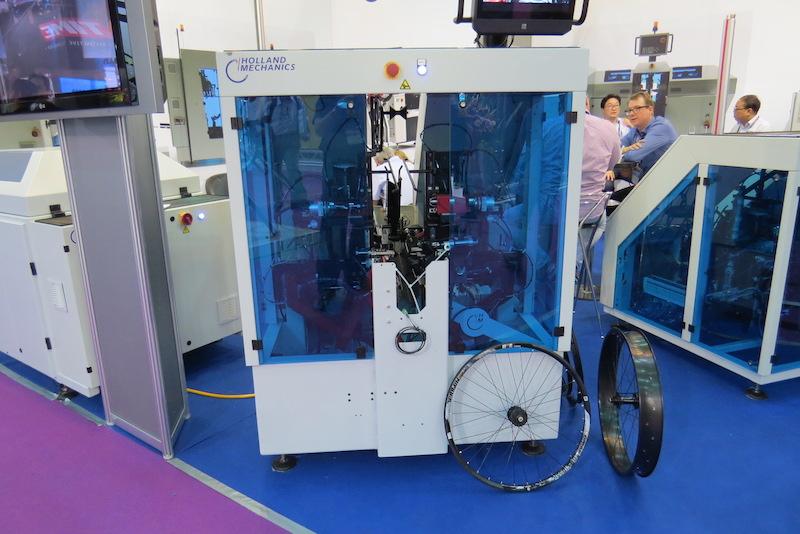 holland wheel building machine