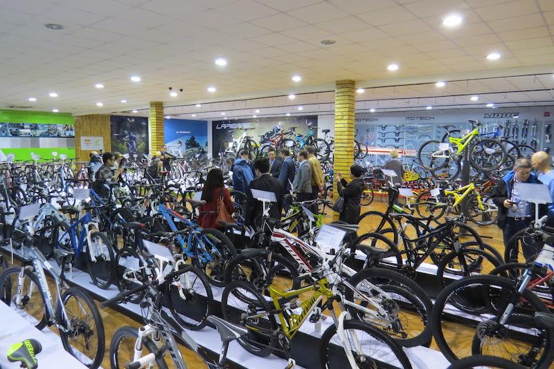 golden wheel bikes