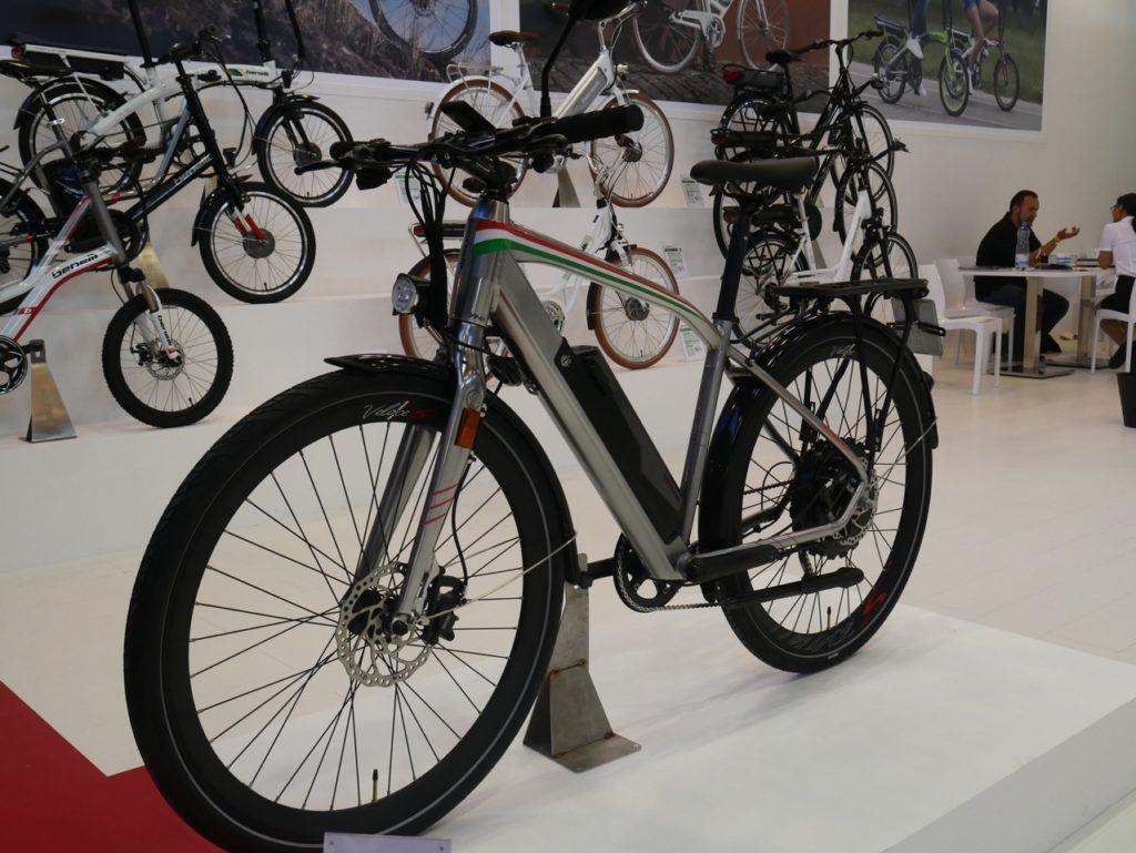 benelli-touring-electric-bike