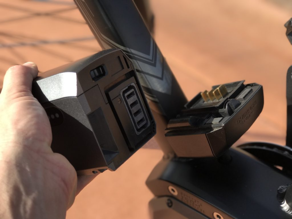 raleigh-misceo-ie-sport-electric-bike-battery-mount-to-frame