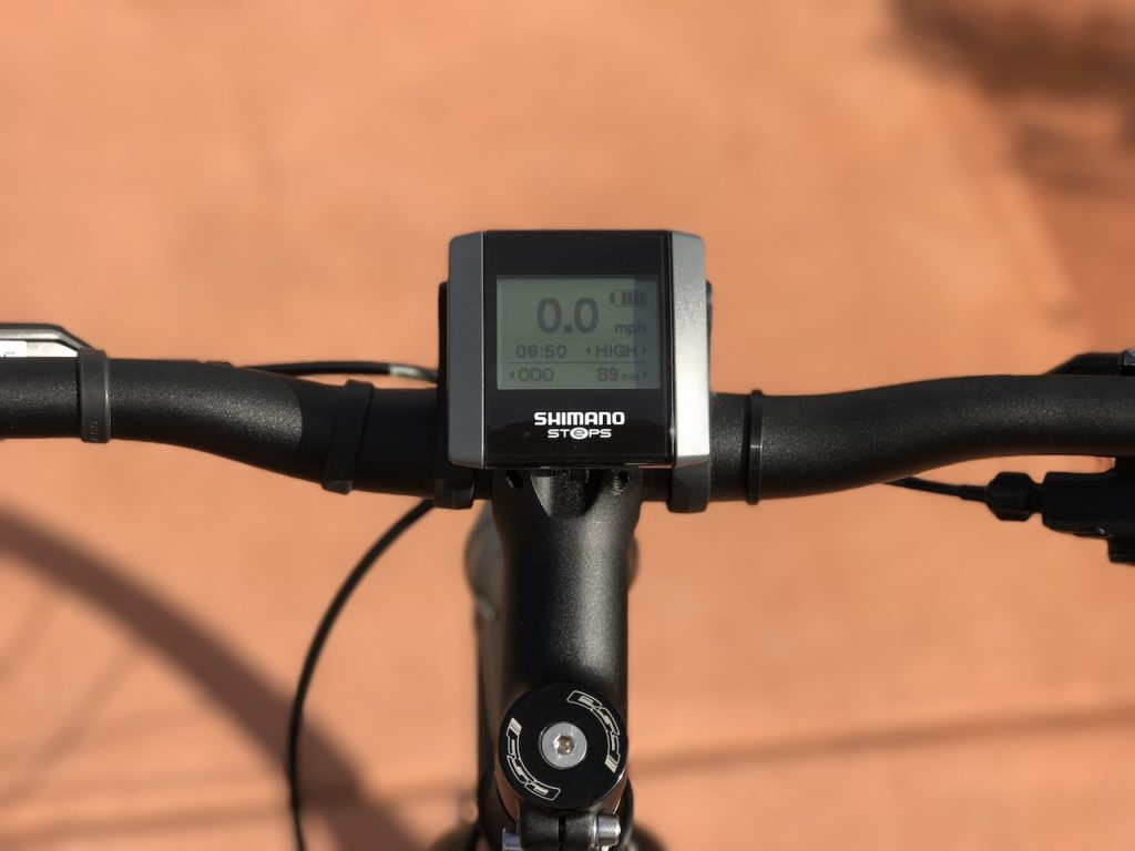 raleigh-misceo-ie-sport-electric-bike-shimano-display