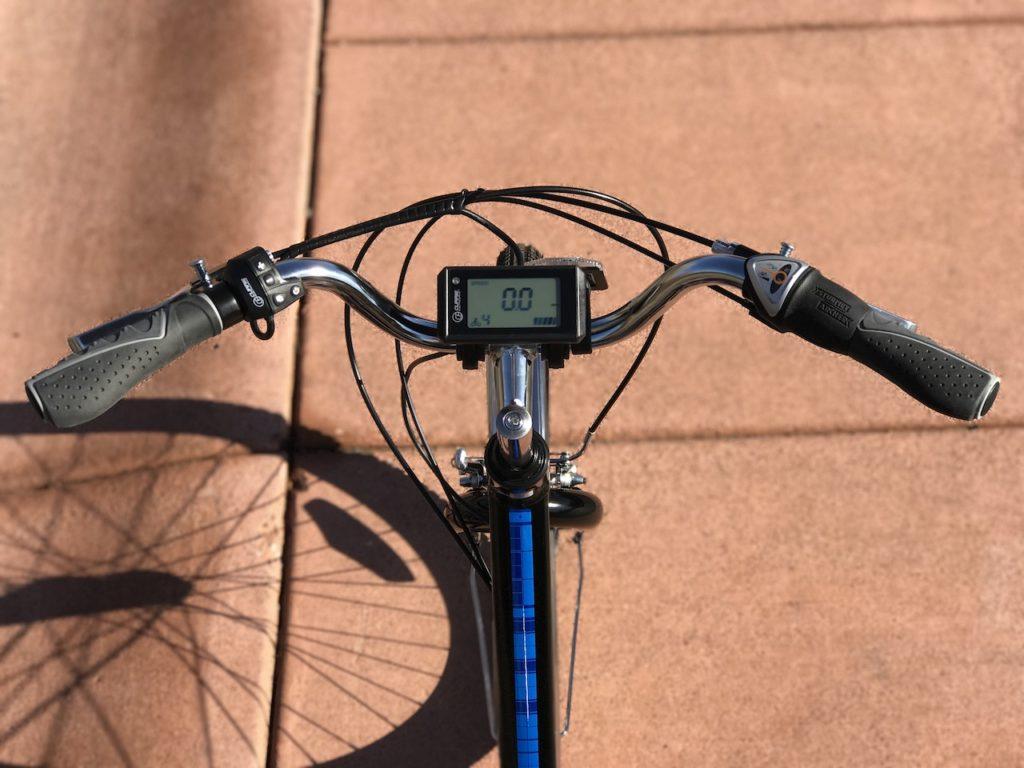 raleigh-tristar-ie-electric-trike-handlebars