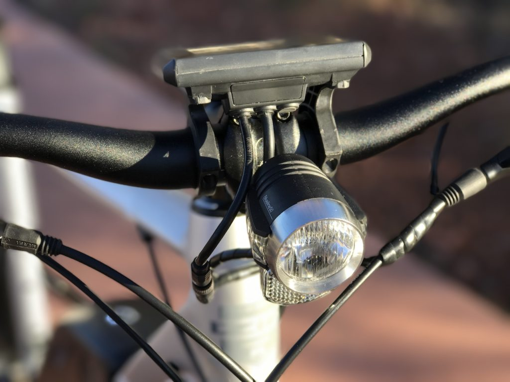 izip-e3-dash-electric-bike-front-light