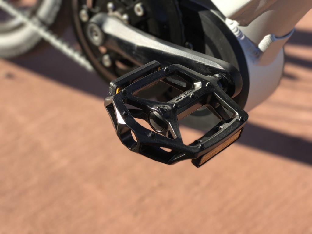 izip-e3-dash-electric-bike-pedal