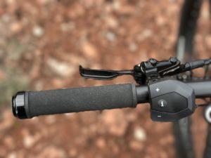 izip-e3-peak-electric-mountain-bike-bosch-control-pad