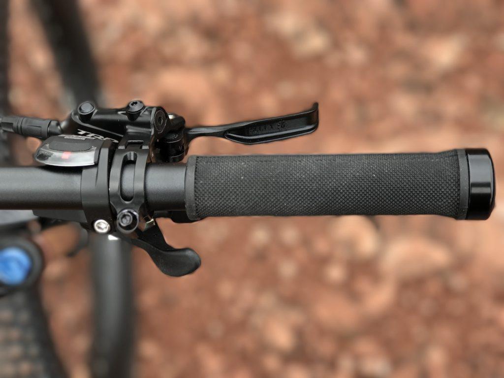 izip-e3-peak-electric-mountain-bike-shifter-brake-lever