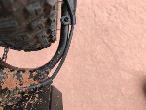 izip-e3-peak-electric-mountain-bike-tire-clearance