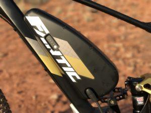 Fantic XF1 Casa electric mountain bike battery left