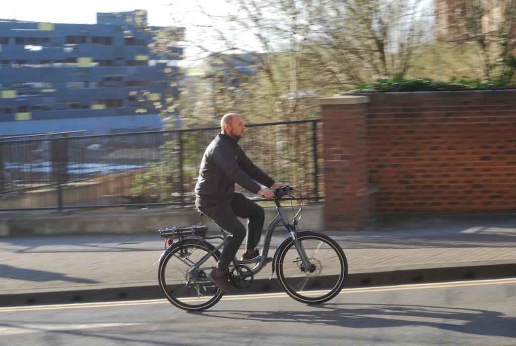 Wipser 705 electric bike riding 6