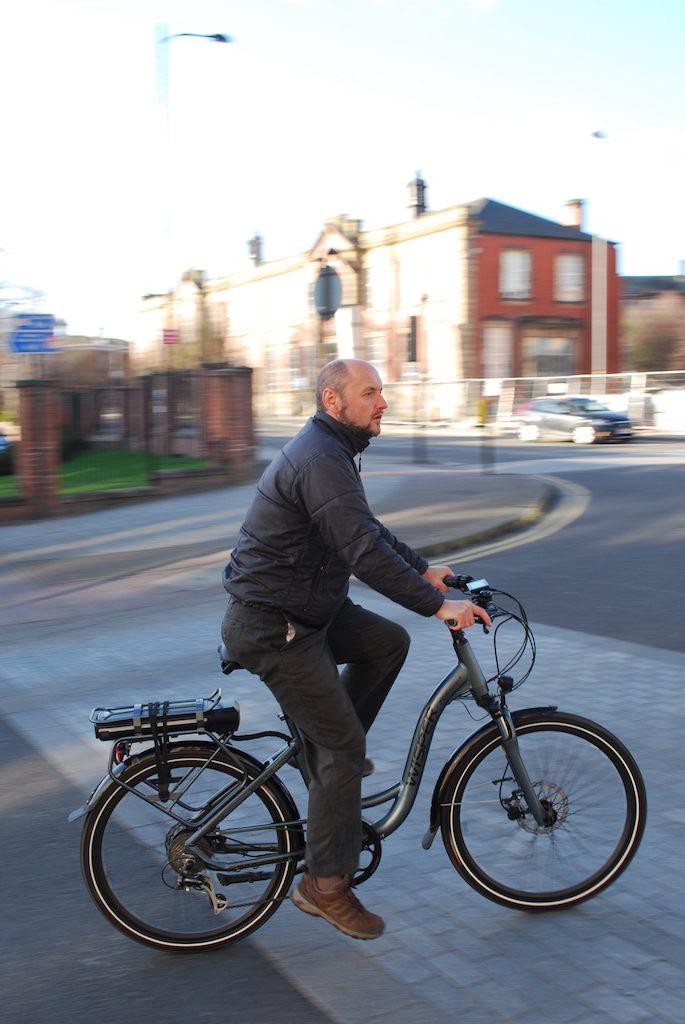 Wipser 705 electric bike riding 9